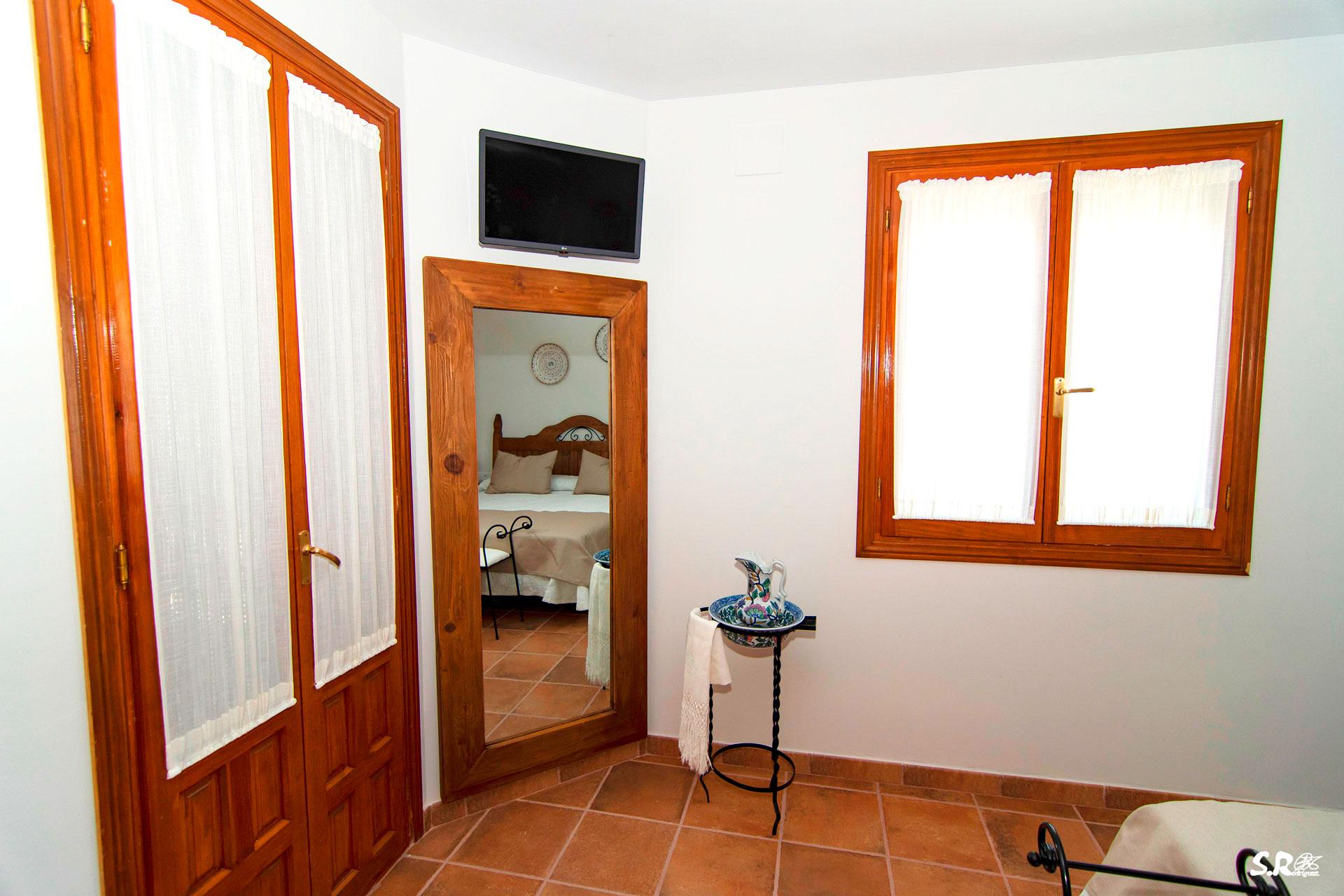 hanitacion-casa-rural-valle-de-alagon-balcon
